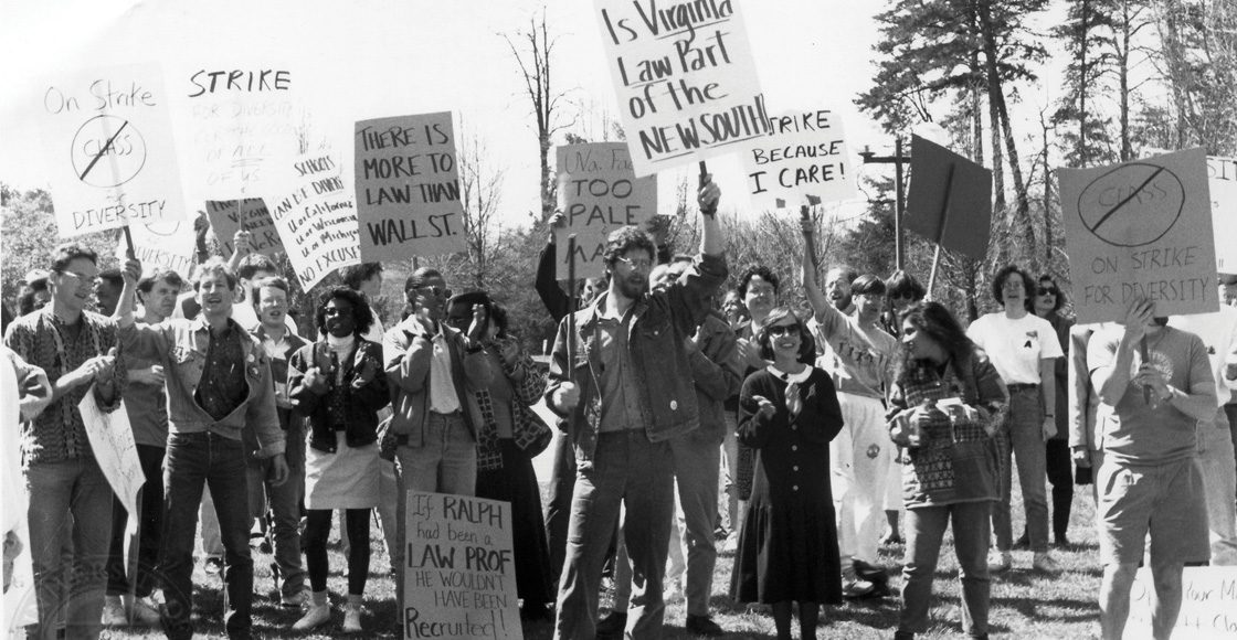 Students protest the lack of diversity among the Law School faculty by boycotting classes during the early 1980s.