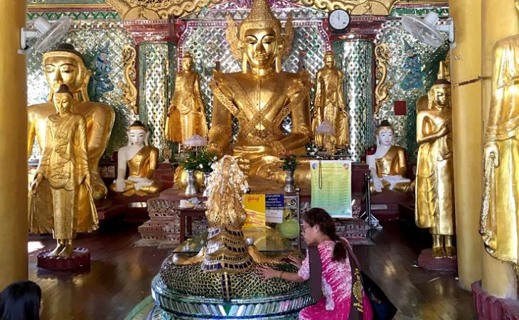 A shrine in Shwedagon Pagoda