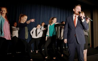 Students rehearse Libel Show performance