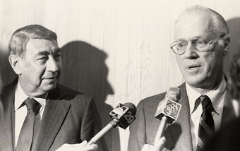 Bowie Kuhn With Howard Cosell