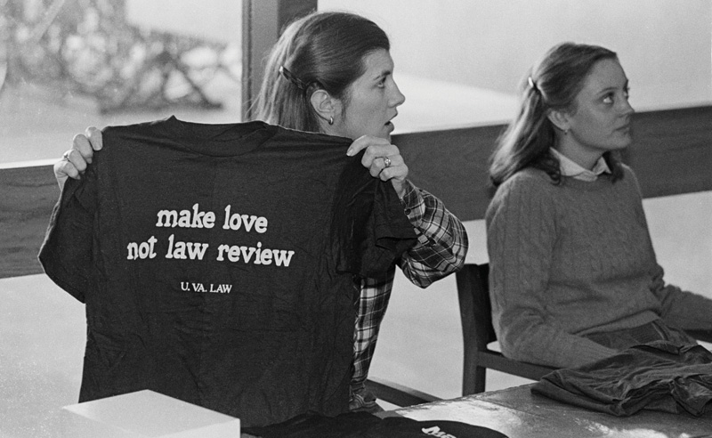 Students sell t-shirts