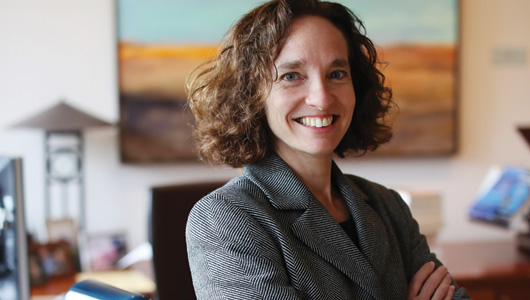 UVA Lawyer   Ready for Risa: Fall Semester Welcomed New Dean